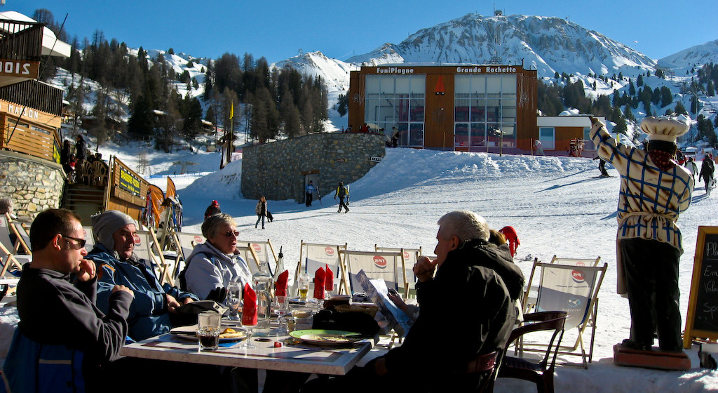 Skiers at a cafe in La Plagne