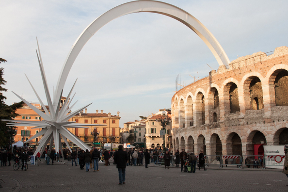 the-shooting-star-in-piazza-bra-in-verona-italy-97