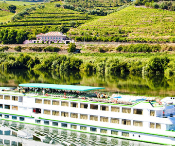 Image-of-river-cruise-ship-on-river-dour
