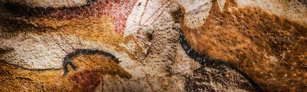 Image of ancient painting in Lascaux Cave