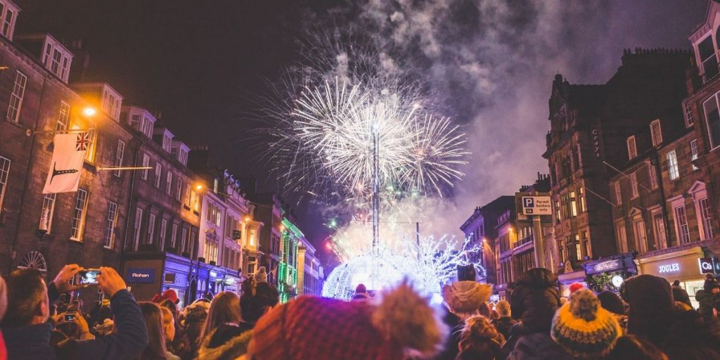 hogmanay streets of edinburgh