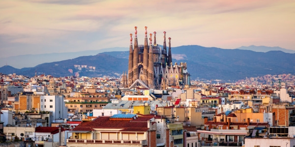 la sagrada familia barcelona golden hour