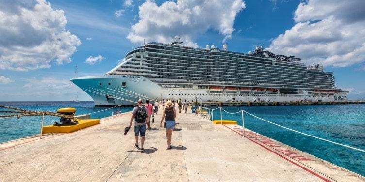Passengers boarding cruise ship