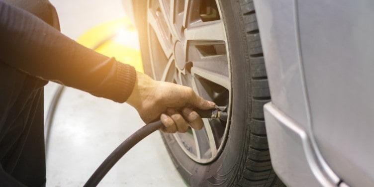 Checking air pressure of tyre