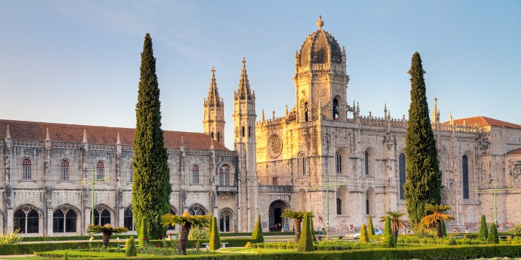 an image of the Jeronimos Monastery in Lisbon, Portugal