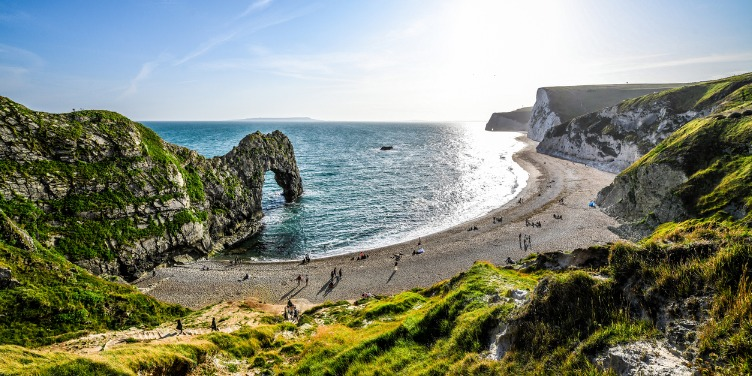 an image of the beach at Durdle Door in Dorset, UK